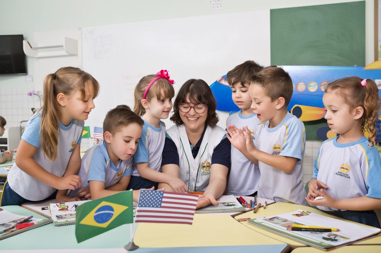 Educação Adventista - Alfabetização em duas línguas